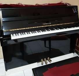 Piano yamaha JU 109 PE warna hitam second