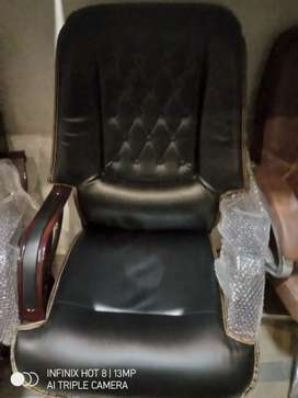 Large size chair and lather right leather