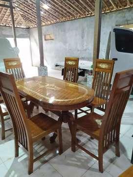Kursi meja makan ukir