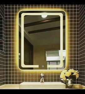 Dezainer mirror