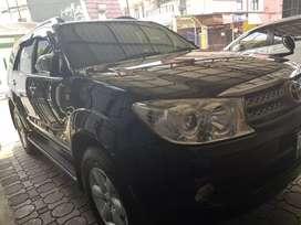 Toyota Fortuner Diesel MT 2011 stnk pjg sept 2020