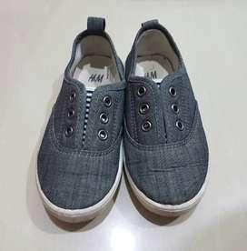 Sepatu Anak H&M, size 26