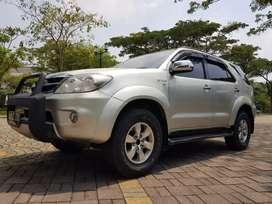Toyota Fortuner 'G 2.7 CC Bensin A/T 2005 Dp 18 Jt# Istana Motor TGR