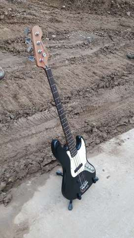 Squier Jazz Bass standard series