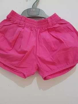 Celan pendek 3-4 merk max Girl