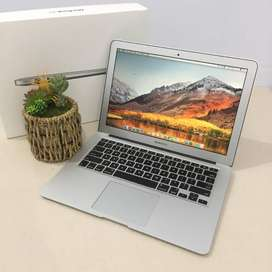 MacBook Air Mid 2014 Core i5 RAM 4GB SSD 128GB *fast boot Siap Pakai