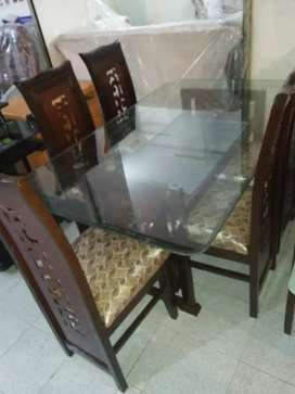 Stylish Dining Table Complete Set (6,Seaters) Available.