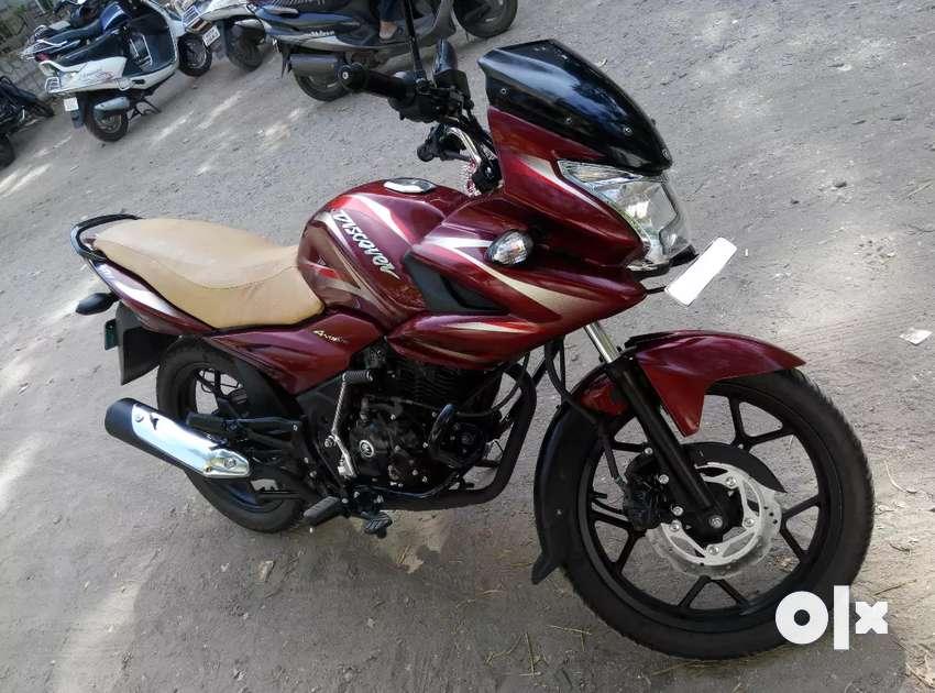 Bajaj Discover 150F 0