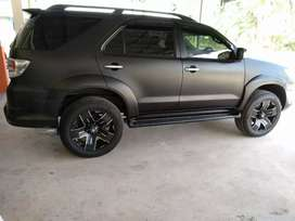 Mobil fortuner type G 2011