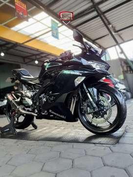 Kawasaki Ninja ZX 25R ABS-2020, Kilometer 2Rb-Spt Baru, Mustika Motor