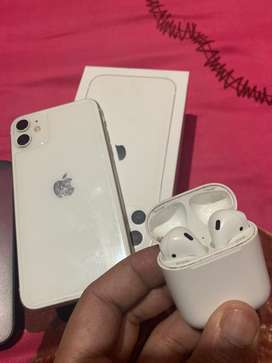 Apple iPHONE 11 and Airpods 2
