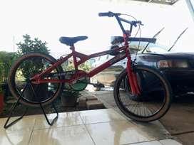 Sepeda BMX ukuran 20