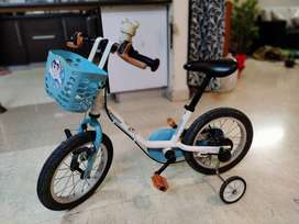 Decathlon bicycle with support wheels for toddlers (2-5 years)