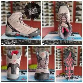 Sepatu gunung snta original model medium tipe 4877 di 3dshopjogja