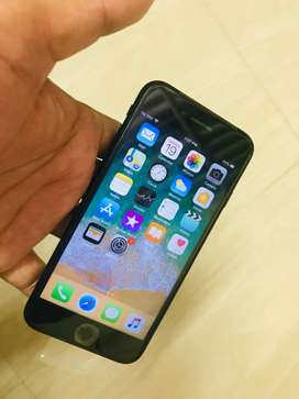 Excellent iPhone 7 128gb Matt black brand new with pack accessories