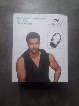 Multimedia headphones with mic zeb-pleasat