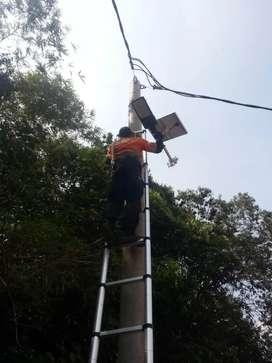 Lampu solarcell lampu jalan tenaga matahari type 2 in 1 daya 50 watt