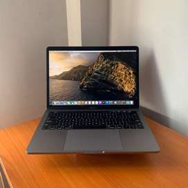 Macbook Pro 2019 Touchbar Grey 13 inch Retina Mulus Garansi !