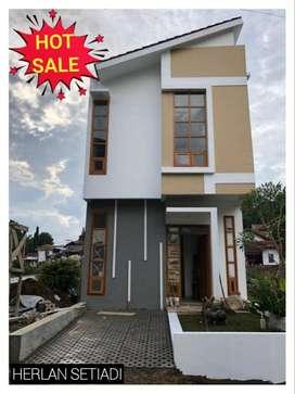 Rumah 2 Lantai dekat Gegerkalong Sariwangi Sarijadi Ciwaruga Bandung