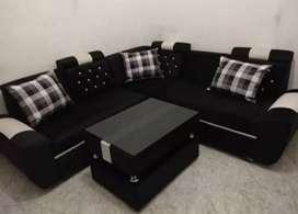 Sofa L new Hitam-Putih minimalis kulit kombinasi kain baldu.
