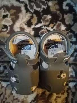 Sepatu disney mickey mouse anak
