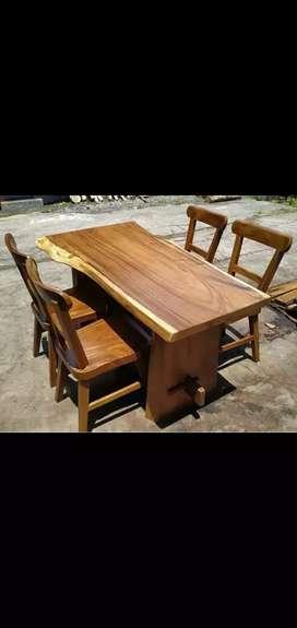 Meja makan V674 wood