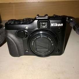 Kamera Nikon P7100 (Bonus headphone)