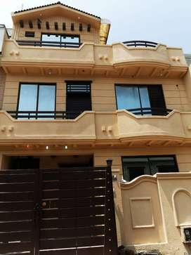 Beautifully Constructed 4 Marla 4 Bed House