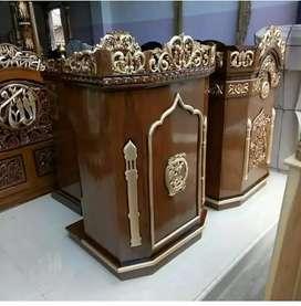 Mimbar masjid jati ukiran