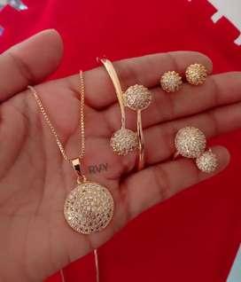 Set perhiasan lengkap isi gelang