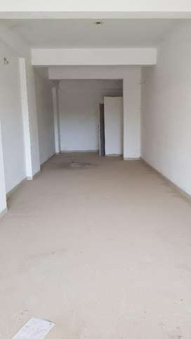 475 sq.ft 1 st floor 100 feet road shop rent nice and prime location