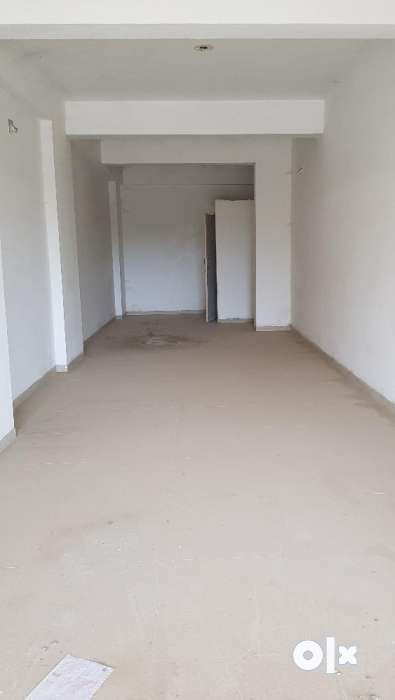 475 sq.ft 1 st floor 100 feet road shop rent nice and prime location 0
