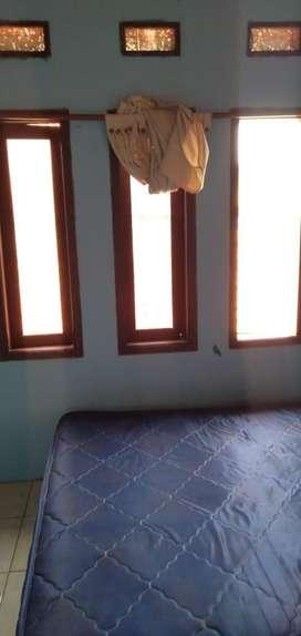 Kostan lantai 2 kontrakan ada balkon wc dalem