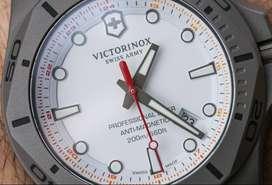 Victorinox Watch: I.N.O.X. Professional Diver Titanium 241811