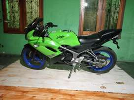 Kawasaki Ninja rr new 150