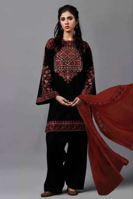 3 PC LAWN KY BLACK  EMBROIDERED WHOLESALE LADIES SUMMER SUIT 2020