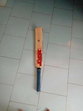 MRF BAT whit kholi SIGNATURE 5 inch