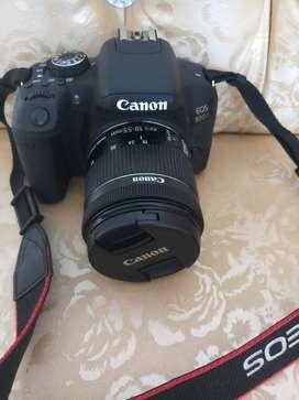 Kamera Canon EOS 800D