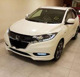 HONDA VEZEL Z SENSING STYLE PACKAGE(AWD)WHITE ROOM AND ELECTRIC SEATS