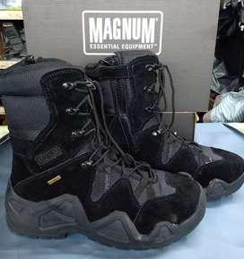 Sepatu pdl Magnum lowa hitam import