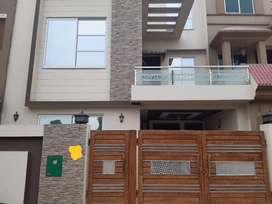 5 Marla Upper Portion For Rent in AA Block Bahria Town Lahore