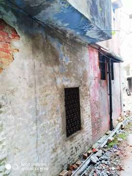 Old Property for Sale in Prime location in Lucknow