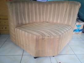 Kursi/sofa 1 biji