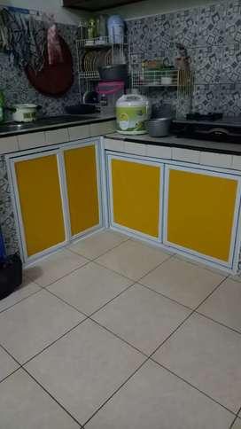 Kitchen set bagus pengerjaan sangat cepat dan rapih