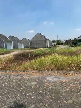 Tanah Siap Bangun di Perumahan The Queen Residence Krian Sidoarjo