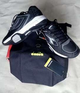 Sepatu Olahraga Diadora Original