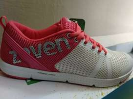 Zeven running and sports shoes