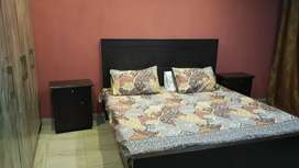 Daily & weekly Basis flat for Rent facing park bahria town Lahore