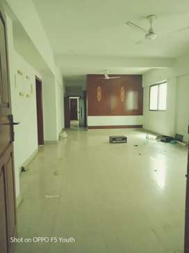 Flat for sale 3bedroom with maid room 1st floor DHA phase 5