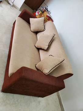 3 seater sofa with 3 cushion